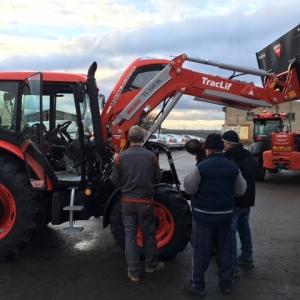 Předání traktoru pro obec Věcov Zetor Proxima 80 s čelním nakladačem