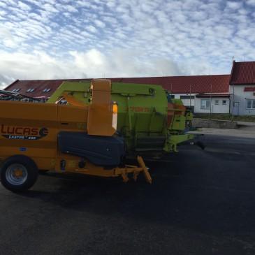 Ukázky krmného a nastýlacího vozu společnosti Lucas G.