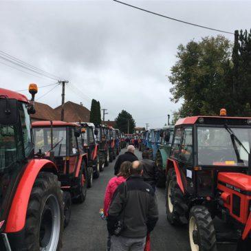 Sraz traktorů v Třeštici